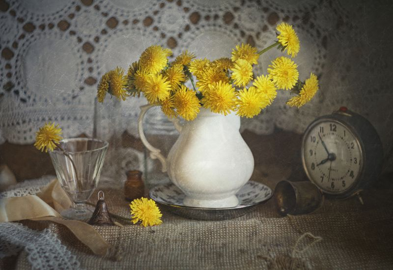 одуванчики, натюрморт, весна, ретро, ностальгия Одуванчики фото превью