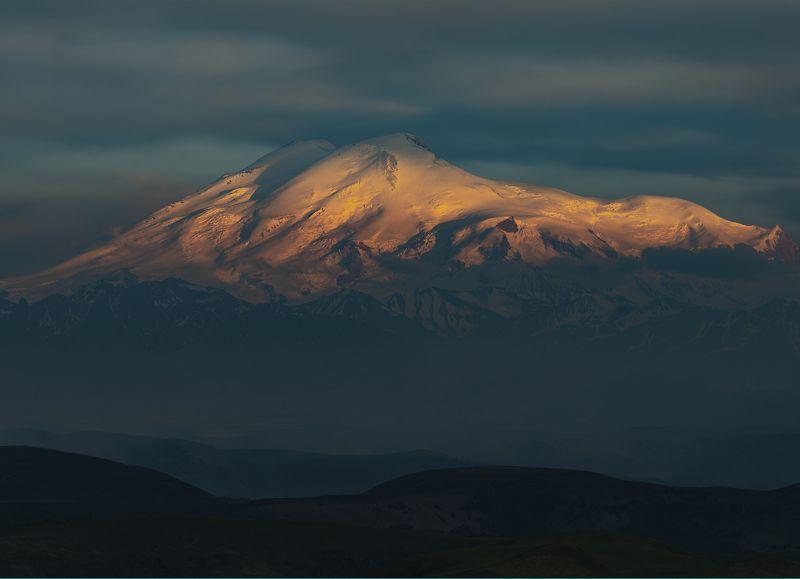 эльбрус, закат, горы, карачаево-черкесия,свет, облака ОТБЛЕСК УХОДЯЩЕГО ДНЯphoto preview