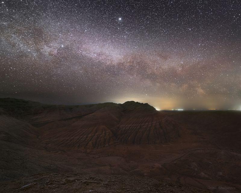 Млечный путь над \