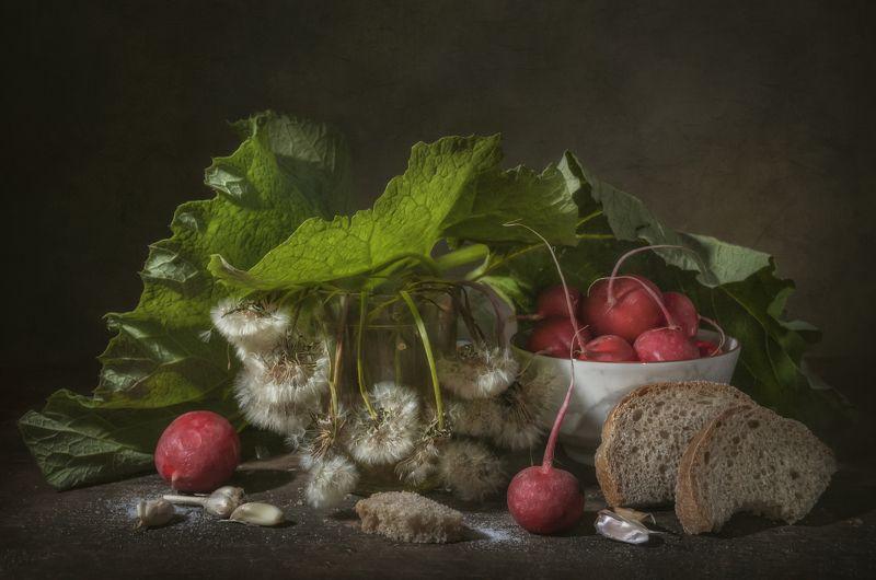 редис,овощи,лист лопуха,хлеб,весна,одуванчики,увядание,стакан,дача Из весны в лето...photo preview