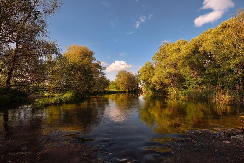 река,течение,небо,облака,юерега,отражение по рекеphoto preview