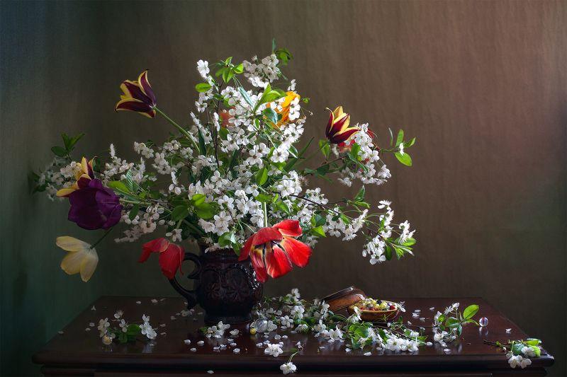 миламиронова, фотонатюрморт, весна, краски, яркие, тюльпаны, вишня, цветение, букет, цветы, настроение Весенний натюрморт...photo preview