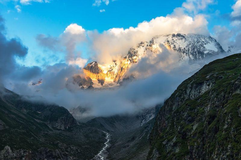 горы,восхождение,кавказ,облака golden peak...photo preview