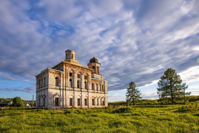 Богоявленская церковь деревни Лялиphoto preview