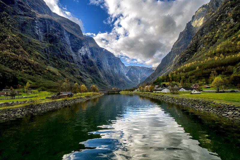 пейзаж,фьорд,горы,небо,облака,берега,домики Фьорды Норвегииphoto preview