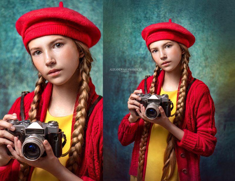 Девочка с фотоаппаратомphoto preview