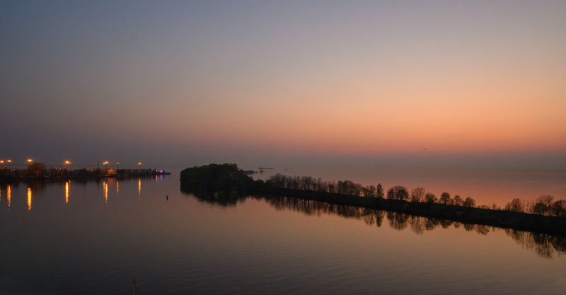 Выход из порта Большой Санкт Петербургphoto preview