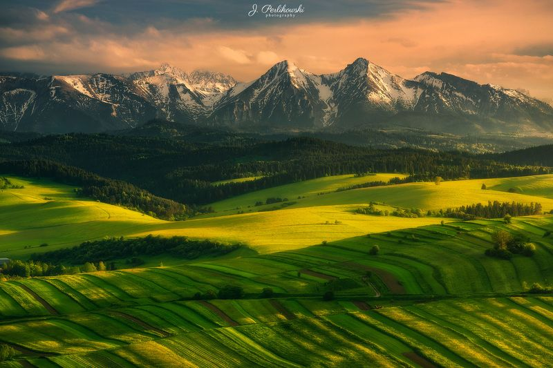 Spring time under Tatra mountainsphoto preview