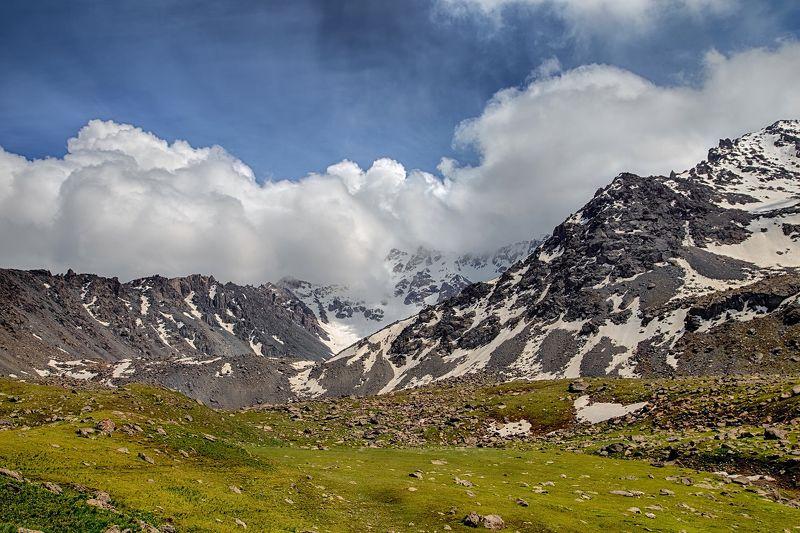 кыргызстан, горы Под пуховым одеяломphoto preview