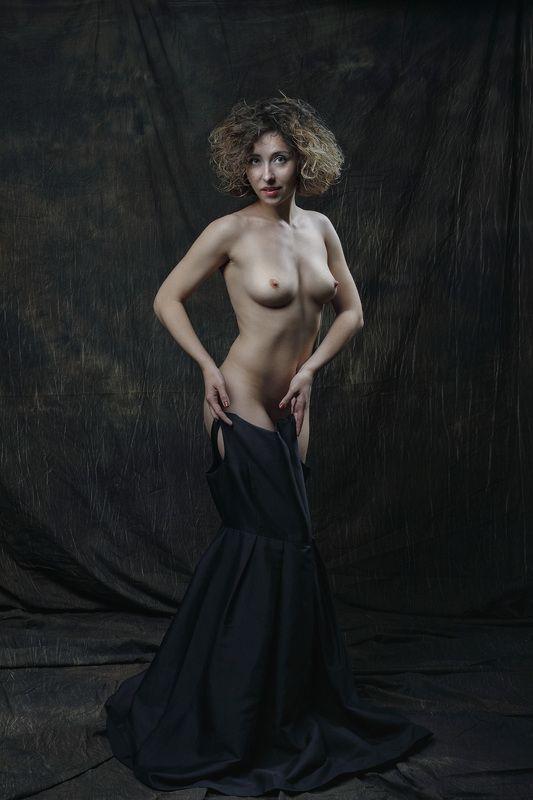 Маленькое черное платьеphoto preview
