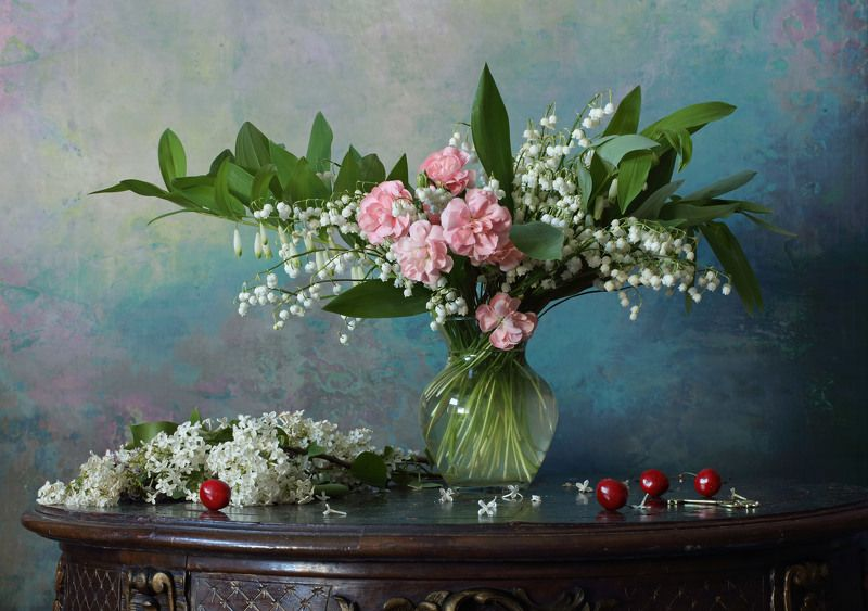 цветы, сирень, ландыши Натюрморт с цветамиphoto preview