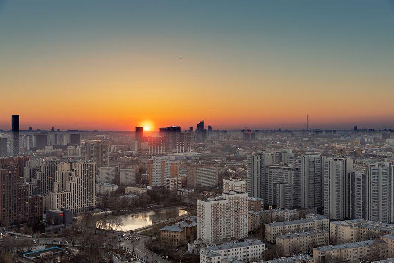 закат, москва, город, пейзаж, мегаполис Окончание апрельского дняphoto preview
