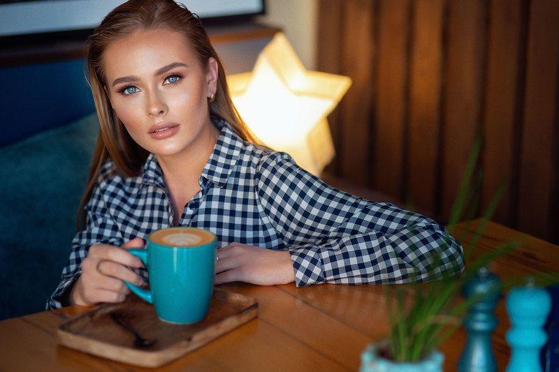 кофе, кафе, девушка Что на кофейном?photo preview