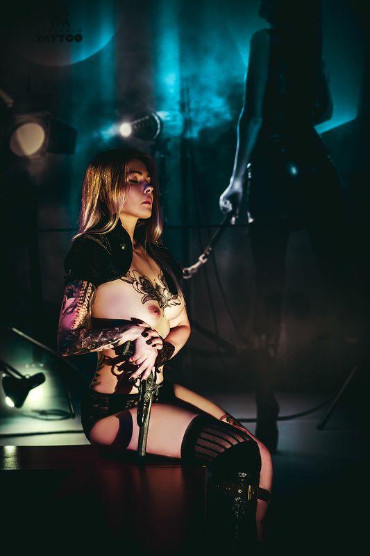 woman, portrait, nude, indoors Dangerousphoto preview