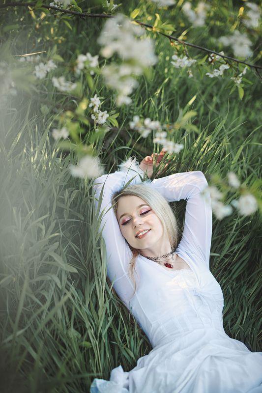 весна, май, нежность, сад, цветы, вдохновение, мелодия, гармония, девушка, белое платье, украина, коростышев, фотограф житомир, фотограф киев, коростышев, украина, \