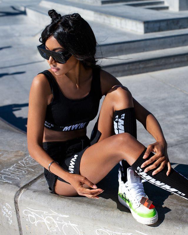 Wearing @dark_side_style @mod_wave_movement