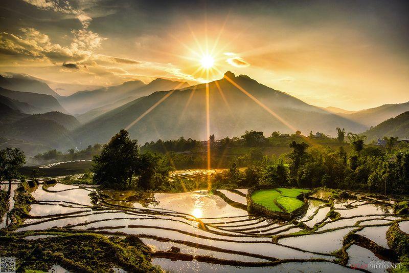quanphoto, landscape, sunset, sundown, reflections, mountains, sunlight, terrace, farmland, agriculture, water, vietnam Mountains Sunsetphoto preview