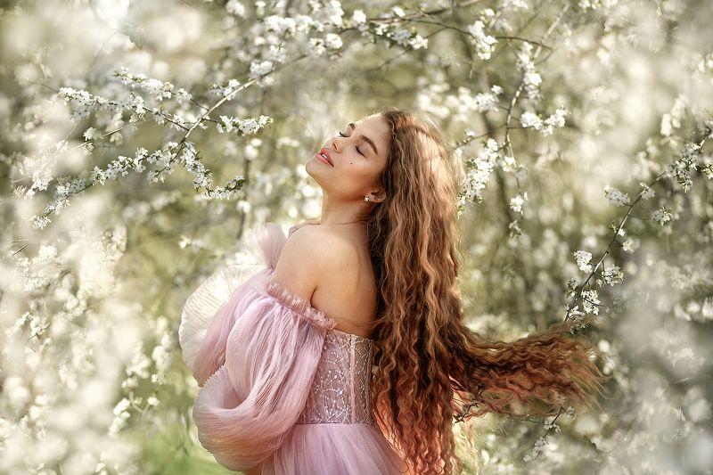 портрет девушка женский портрет цветение весна Тинаphoto preview
