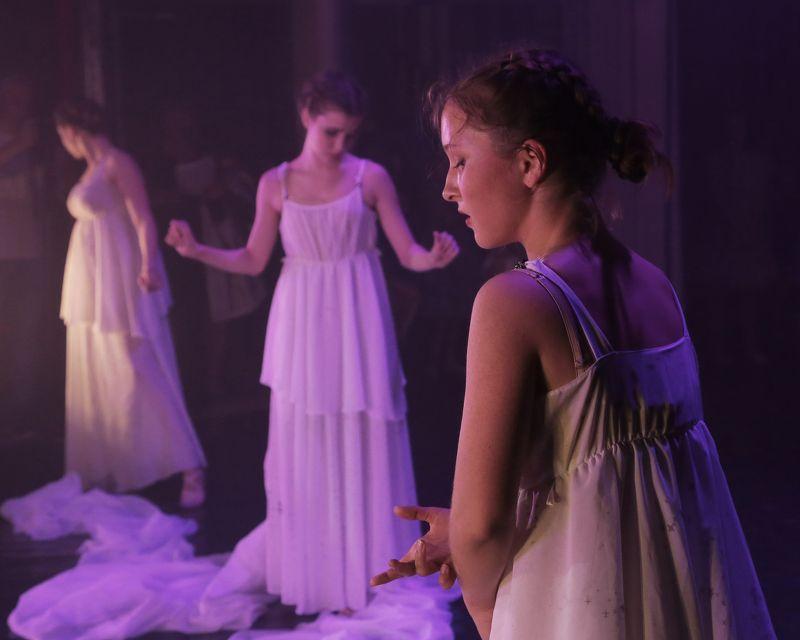 девушка, танец, цвет  Портрет photo preview
