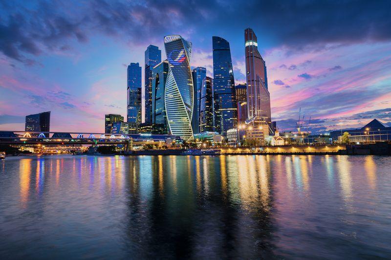Москва Сити на закатеphoto preview