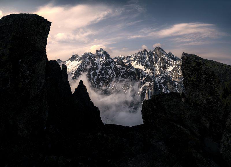 @landscape @mountains @sunrise @hightatras @photography @slovakia @tatry @adventure Mountains eye photo preview