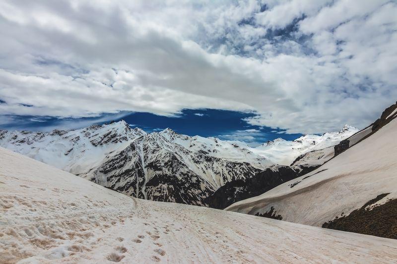горы,восхождение,кавказ,облака под белыми облаками...photo preview
