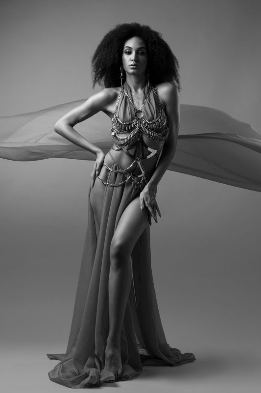 black and white, fashion, portrait, model, modeling, glance Sahara 1 фото превью