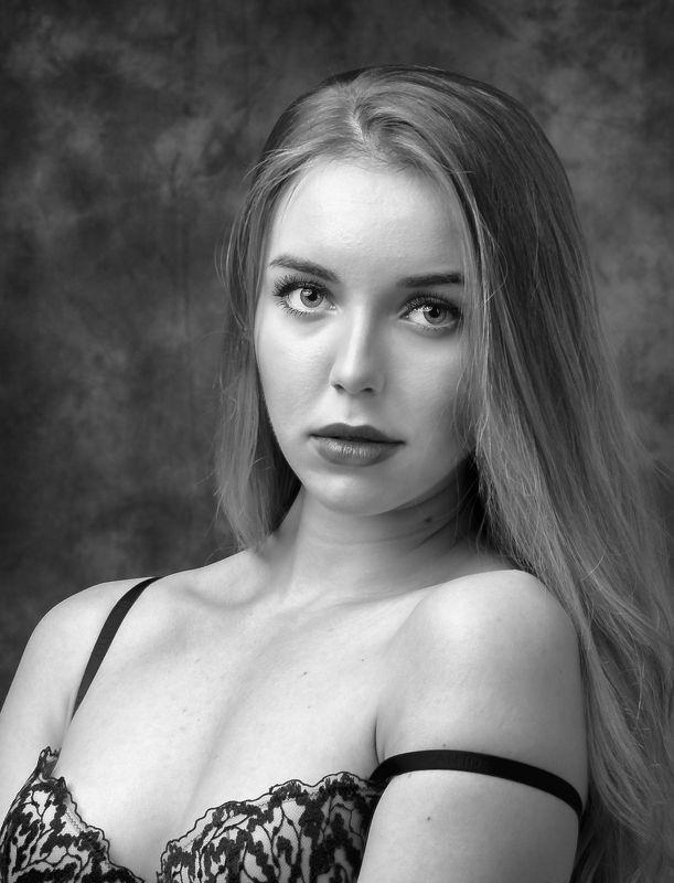 студийный портрет, красивая девушка, женский портрет, будуар Маргарита фото превью