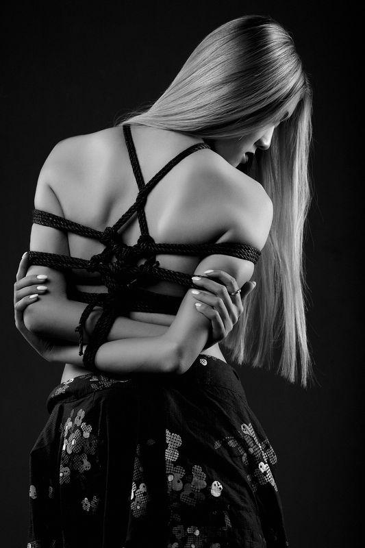 shibari, rope, rope art, portrait, female portrait, black and white Shibari 2 фото превью