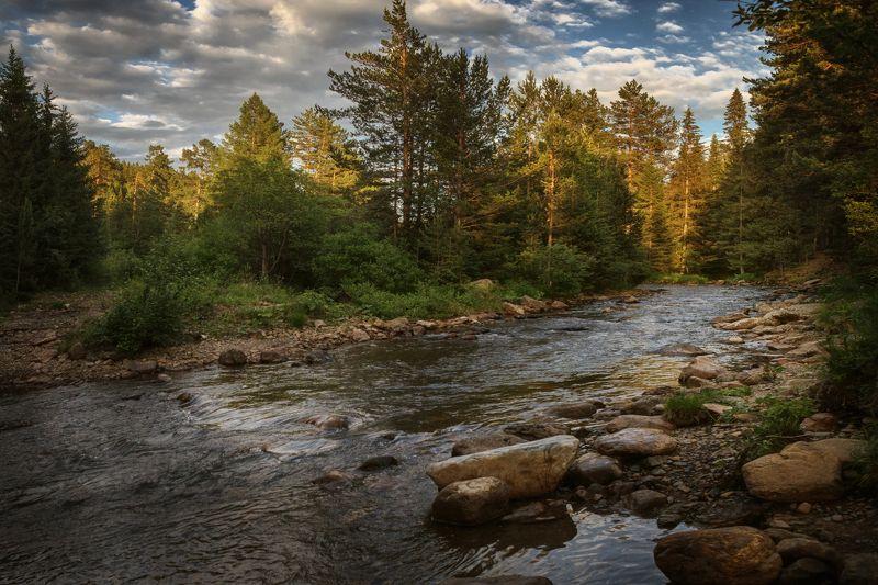 озеро, горы, лес, природа, закат, рассвет, красота, приключения, путешествие Быстрые воды реки Тюлюкphoto preview