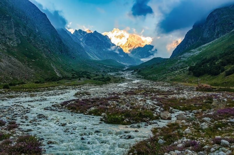 горы,восхождение,кавказ,облака пришел закат дыханием теплым...photo preview