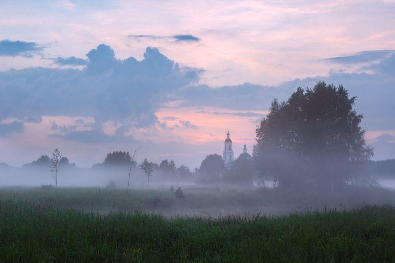 туман, храм, утро, село, рыбак Вечерняя зорькаphoto preview