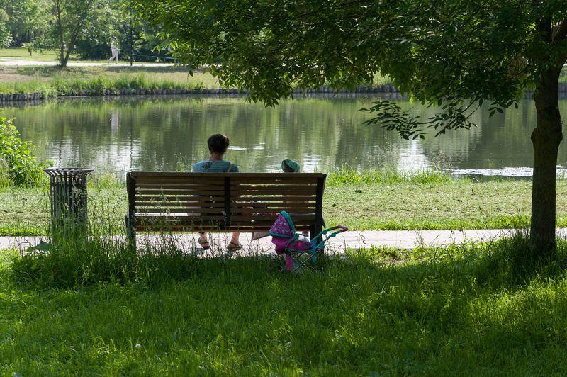 Жаркий день в парке фото превью