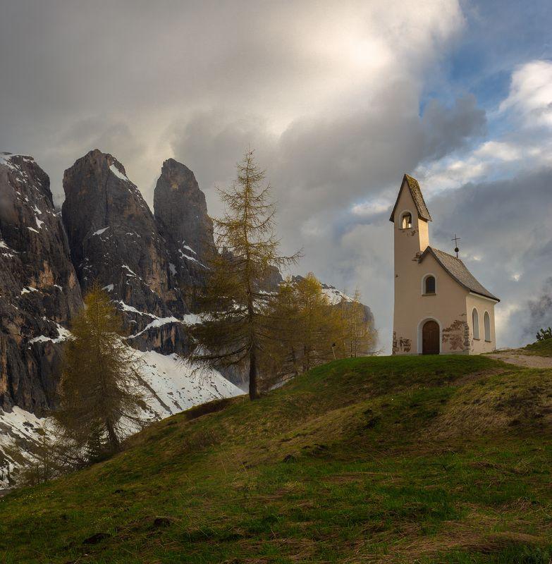 доломиты, горы, облака, закат, капелла Непогода отступает.photo preview