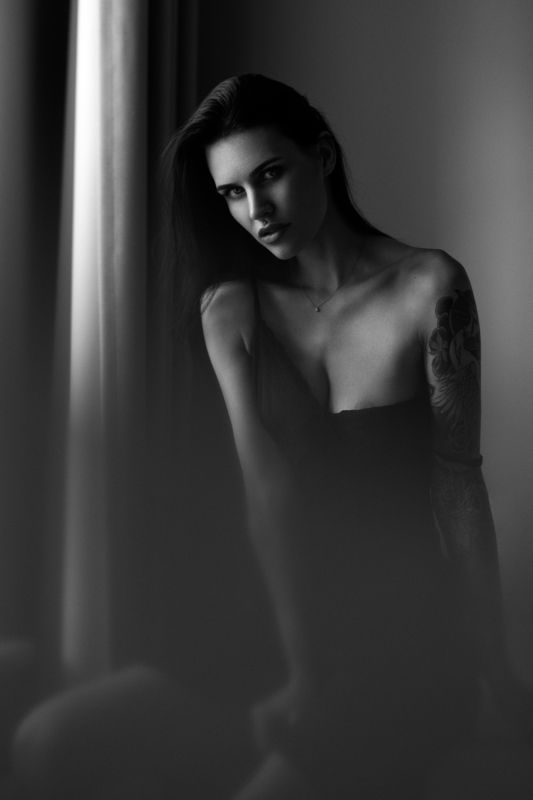 portrait, people, bw, black and white, monochrome, indoor, sensual, dress, brunette, beauty, woman, look, tattoo, moody Portraitphoto preview