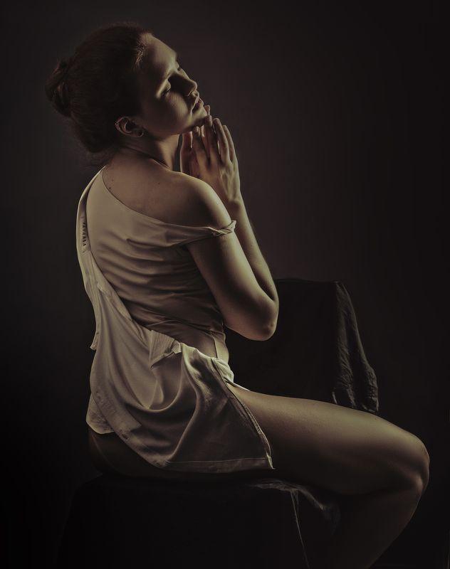 студия, студийный свет. портрет Алинаphoto preview