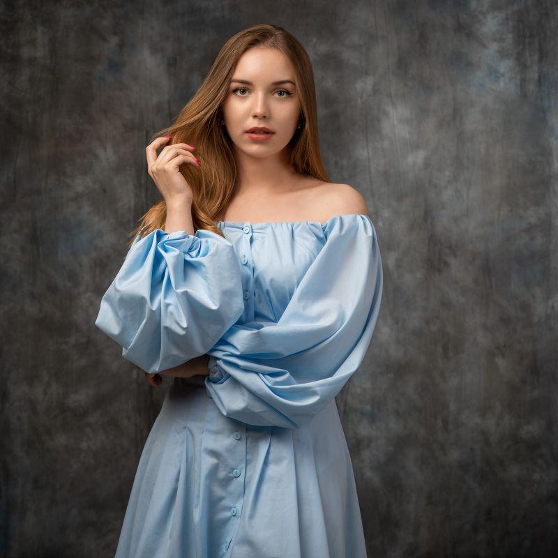 студийный портрет, красивая девушка, женский портрет, концептуальное Маргаритаphoto preview