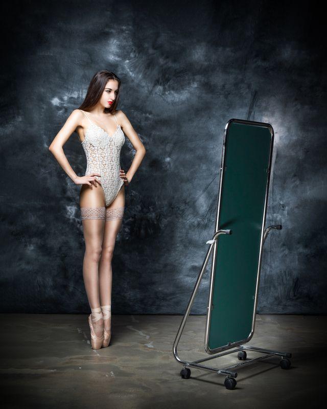 балерина,пуанты, чулки,портрет,красивая Балеринаphoto preview