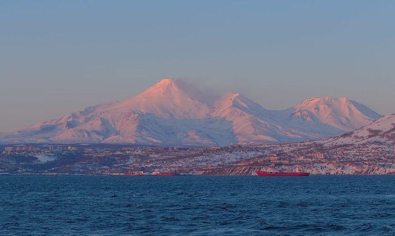 весна, вечер, вулканы, рейд, петропавловск-камчатский pink lightphoto preview