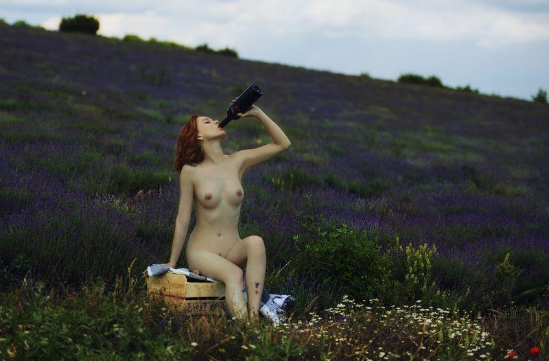 девушка, модель, ню Виноphoto preview