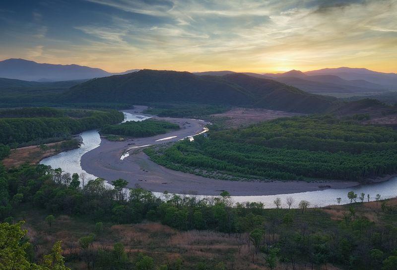 вечер, горы, закат, приморье, река партизанская, весна 2021 река и её берега..photo preview