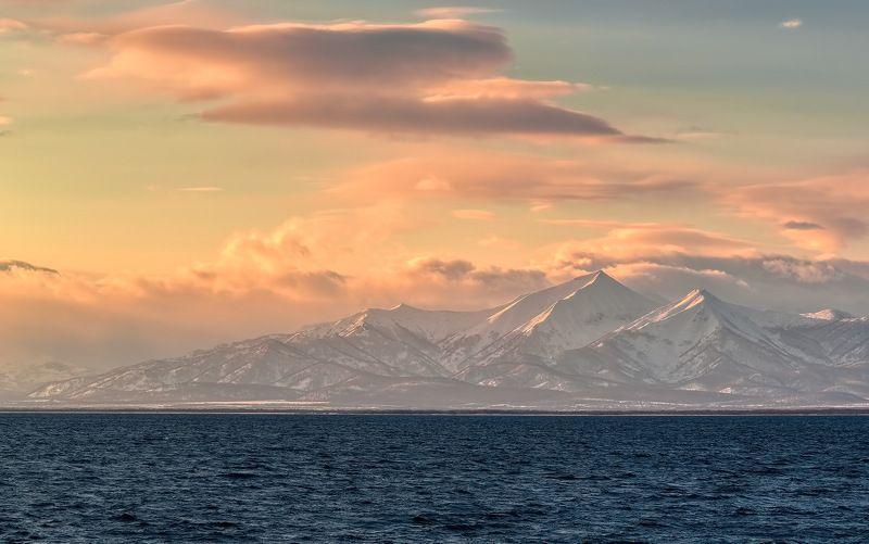 берег, весна, вечер, горы, камчатка солнечный вихрь.photo preview