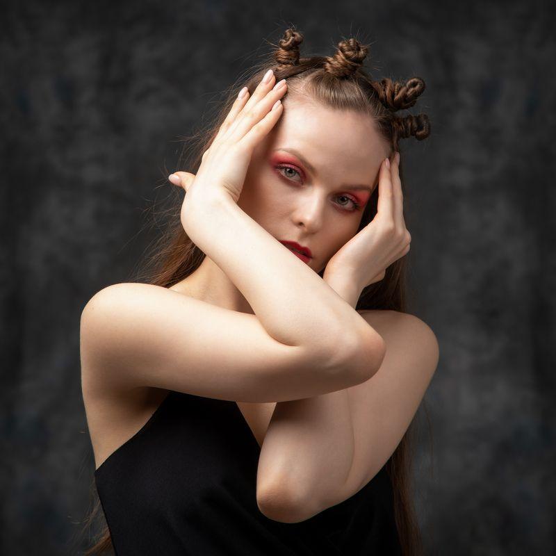 студийный портрет, красивая девушка, женский портрет, концептуальное Алисаphoto preview