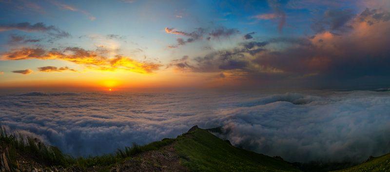 бештау,рассвет, облака,солнце,панорама,природа,пейзаж Рассвет над облакамиphoto preview