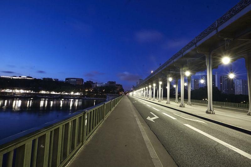 Геометрия раннего утра…. Мост Пасси. Парижphoto preview