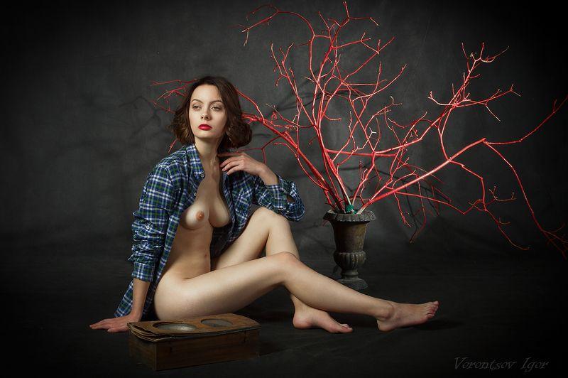 ню, девушка, грудь, обнажённая, красивая, голая, часы photo preview