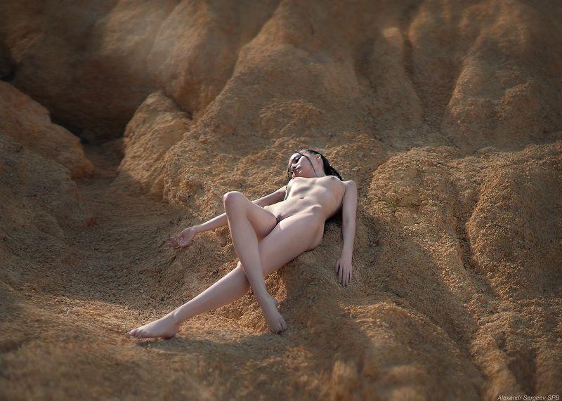 девушка,обнажённая,красота,нежность,гармония,настроение Ложбинкиphoto preview