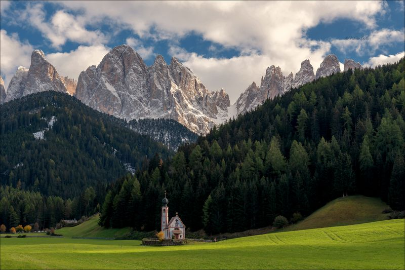 доломитовые альпы,santa maddalena,деревня,val di funes,лето,odle,италия,alps,ranui,san giovanni,церквушка,аlpine church ODLEphoto preview