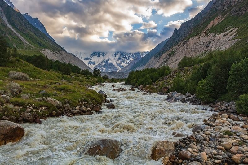 горы,восхождение,кавказ,облака a mountain river is bubbling....photo preview