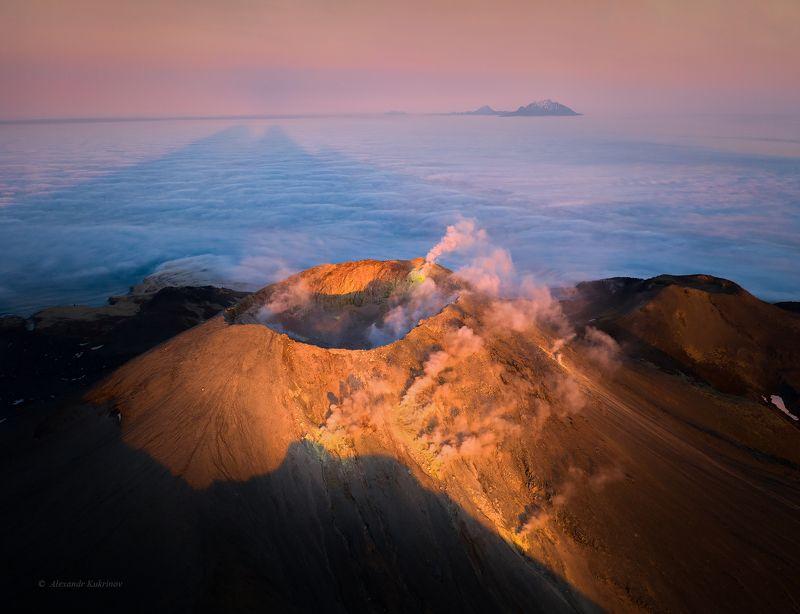 курилы, вечер,закат,пейзаж,аэрофото,чирпой,вулкан чёрного Каменный цветок...photo preview